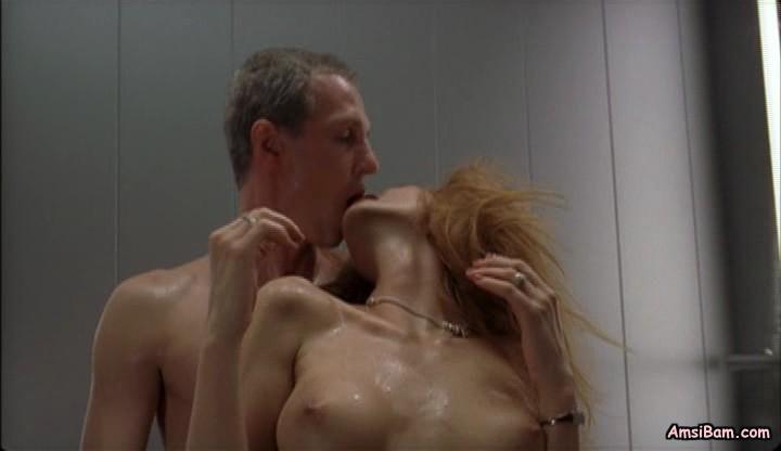eroticheskoe-video-v-lifte