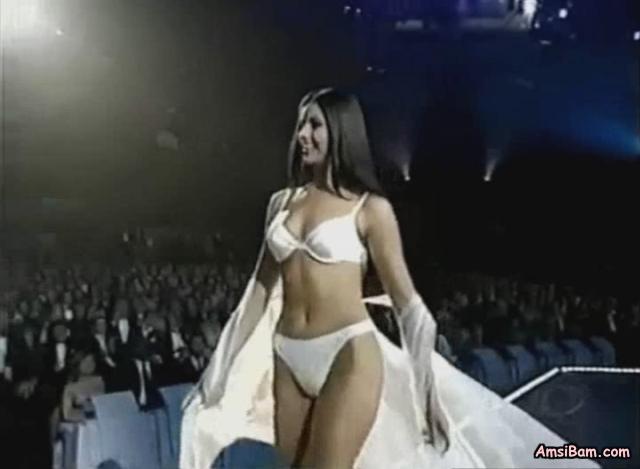 fake nude taylor swift