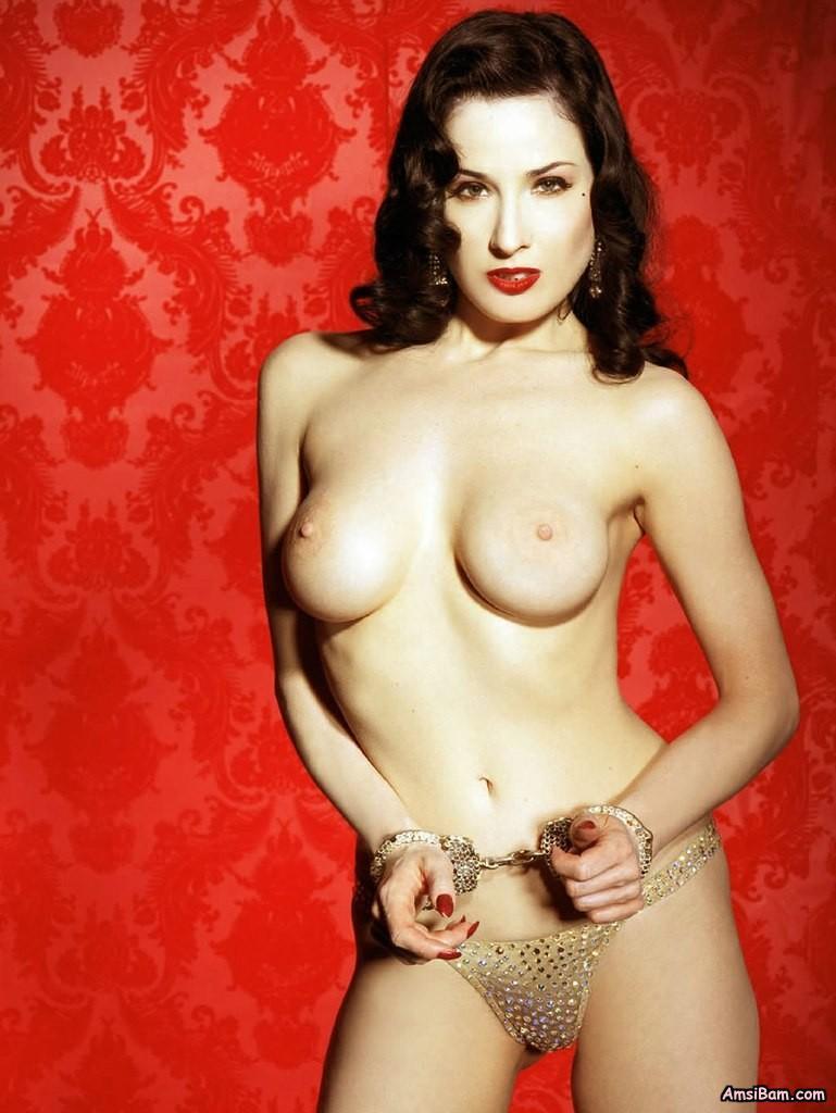 артистки знаменитости позах интим в и женщины голые